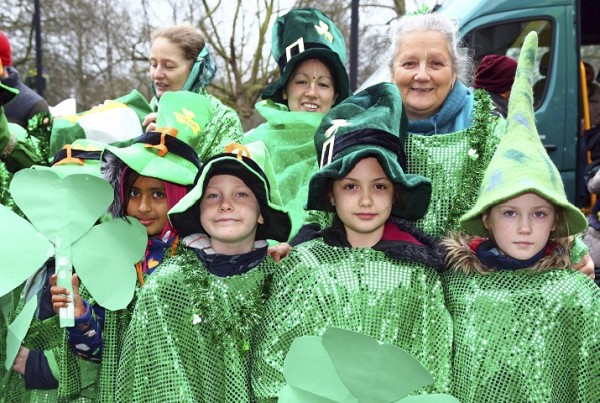 EHKF84 London, UK. 15th March 2015. Participants in the St. Patrick's Day Parade 2015 in London, UK. © Paul Brown/Alamy Live News